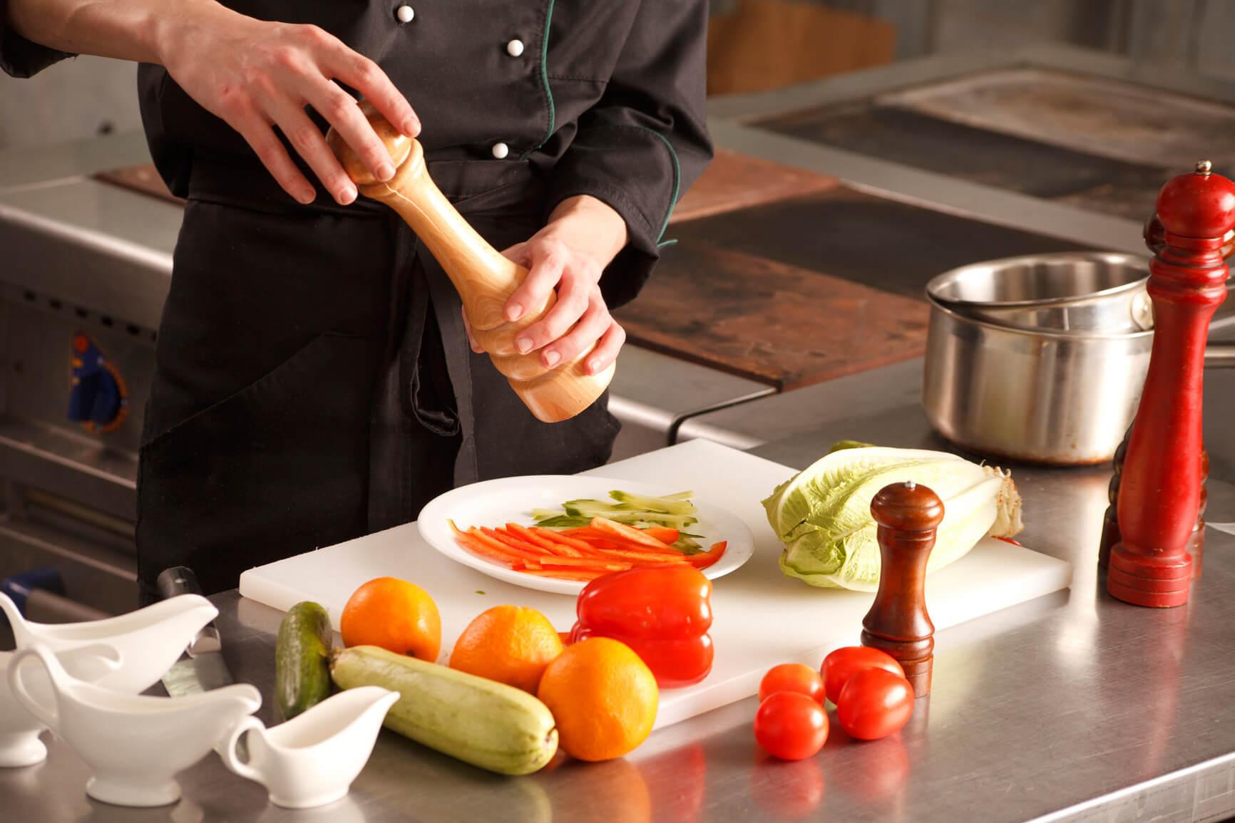 photodune-3851056-restaurant-kitchen-m